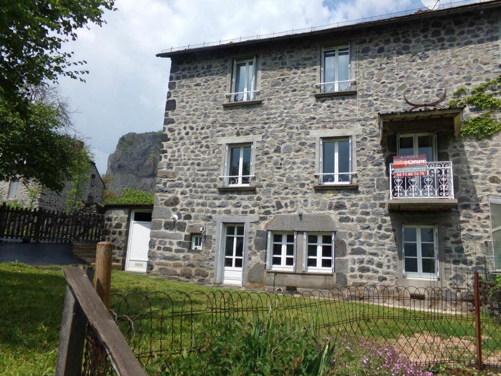 Location Maison 4 pièces à Neussargues-Moissac - vignette-1