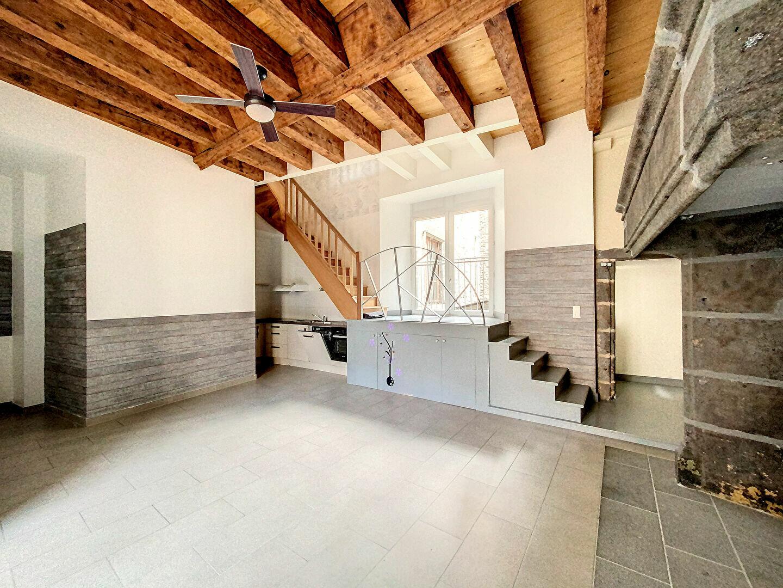 Location Appartement 4 pièces à Saint-Flour - vignette-1