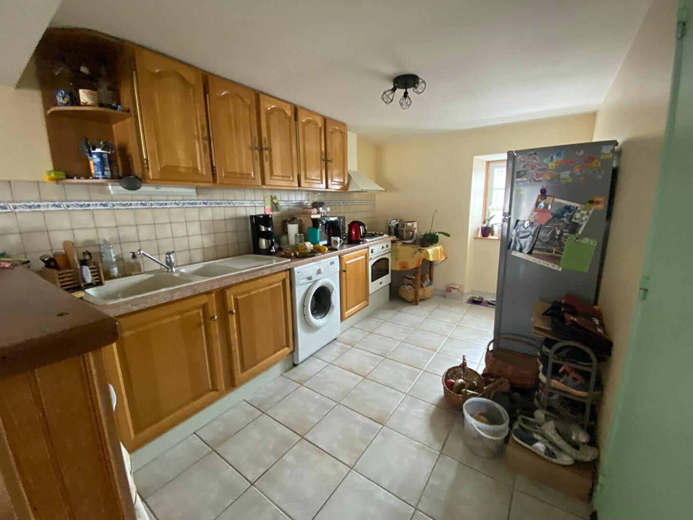 Location Appartement 3 pièces à Ruynes-en-Margeride - vignette-2