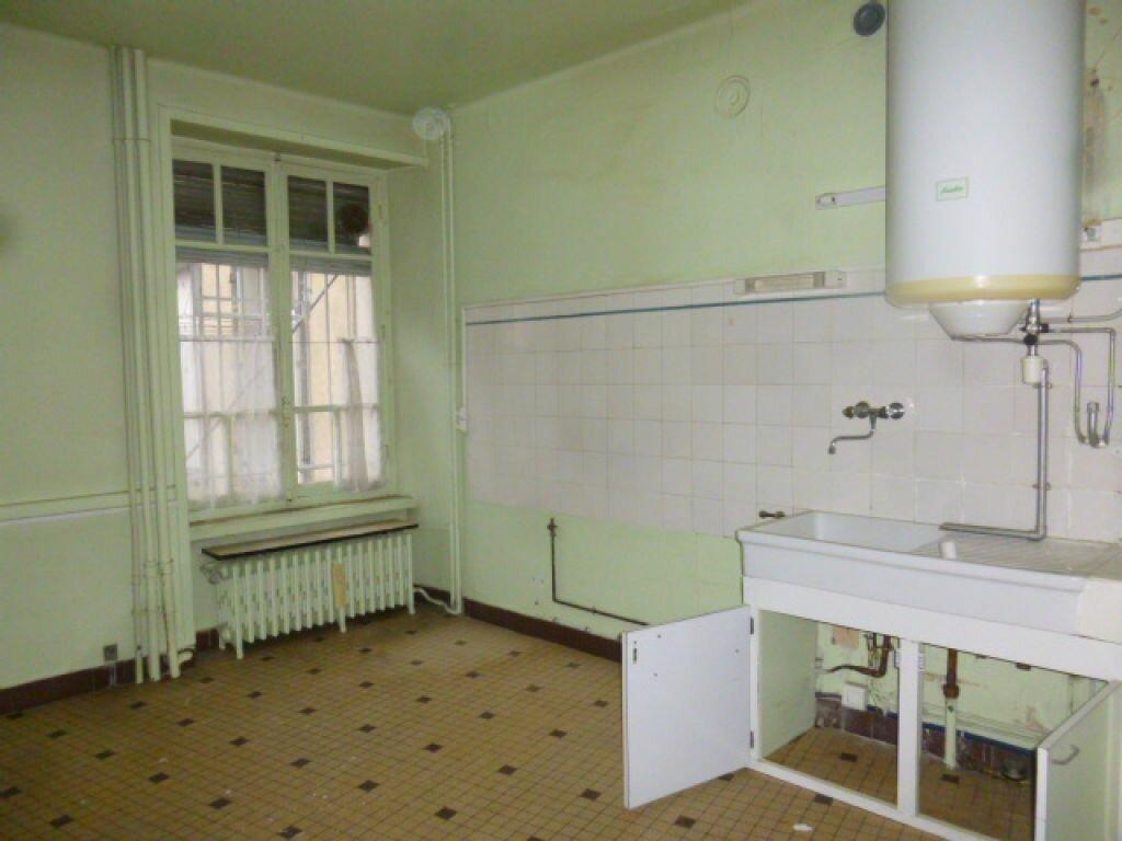 Achat Appartement 4 pièces à Saint-Flour - vignette-4