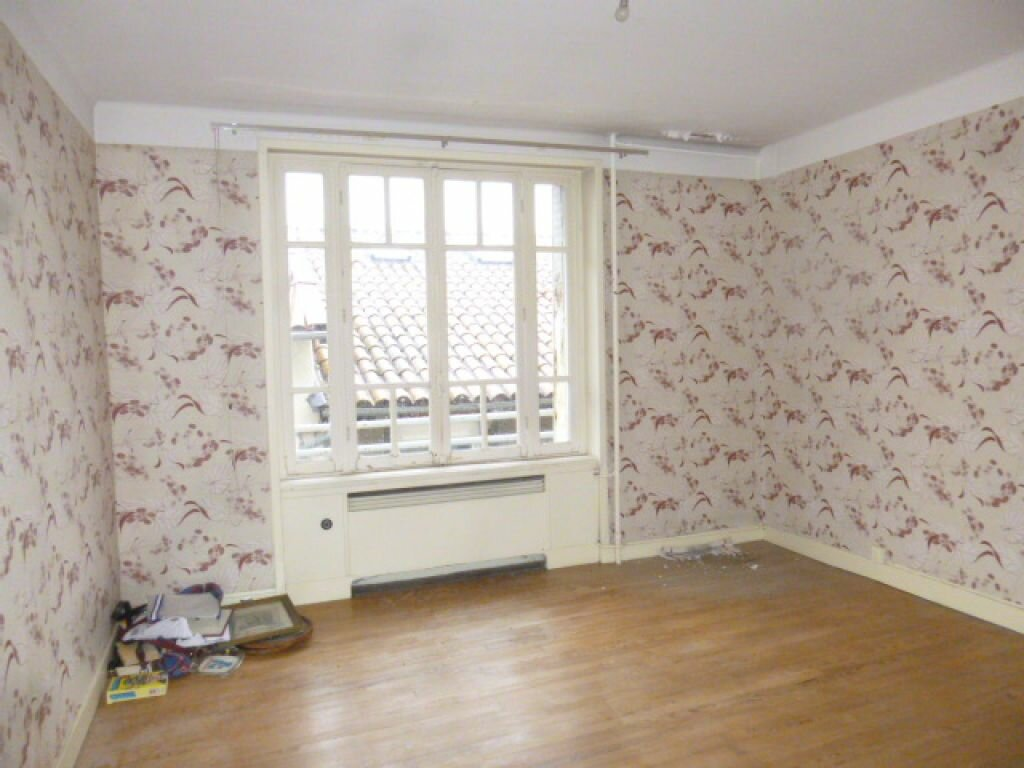 Achat Appartement 7 pièces à Saint-Flour - vignette-5