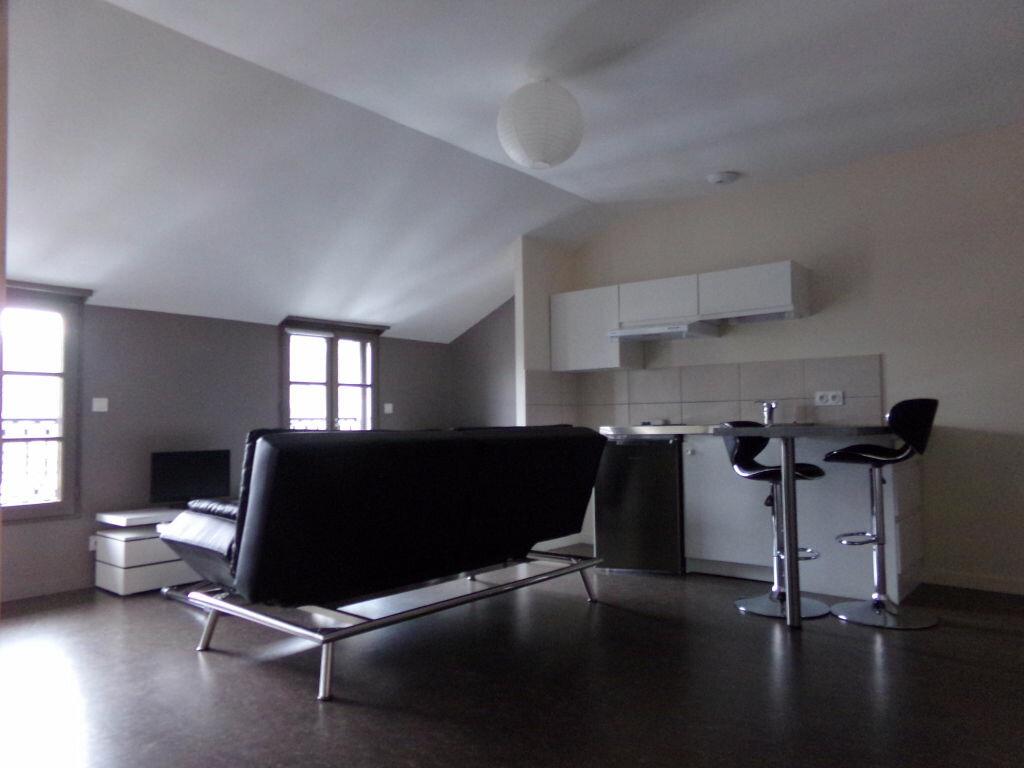 Location Appartement 2 pièces à Saint-Flour - vignette-1