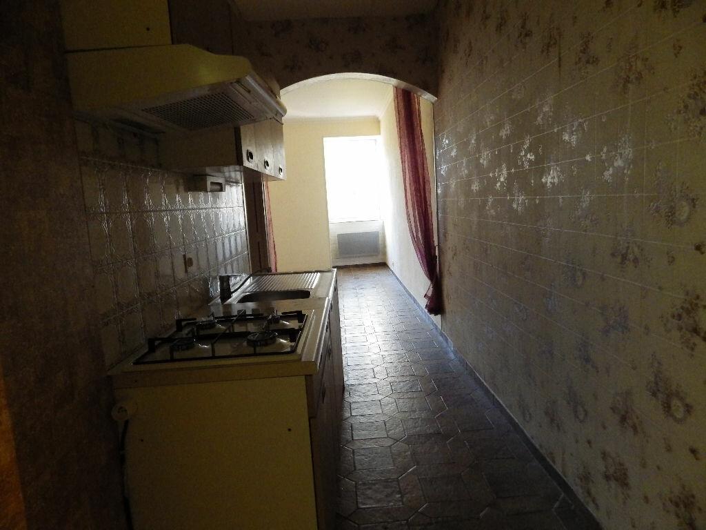 Achat Appartement 1 pièce à Massiac - vignette-2