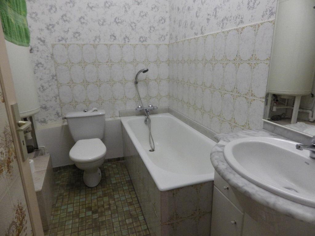 Achat Appartement 1 pièce à Massiac - vignette-3