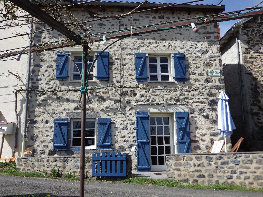 Achat Maison 4 pièces à Saint-Mary-le-Plain - vignette-1