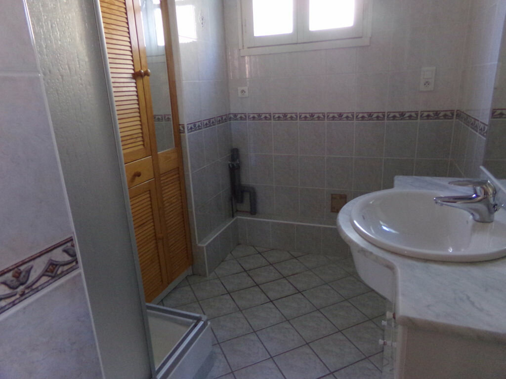 Achat Appartement 3 pièces à Saint-Flour - vignette-7
