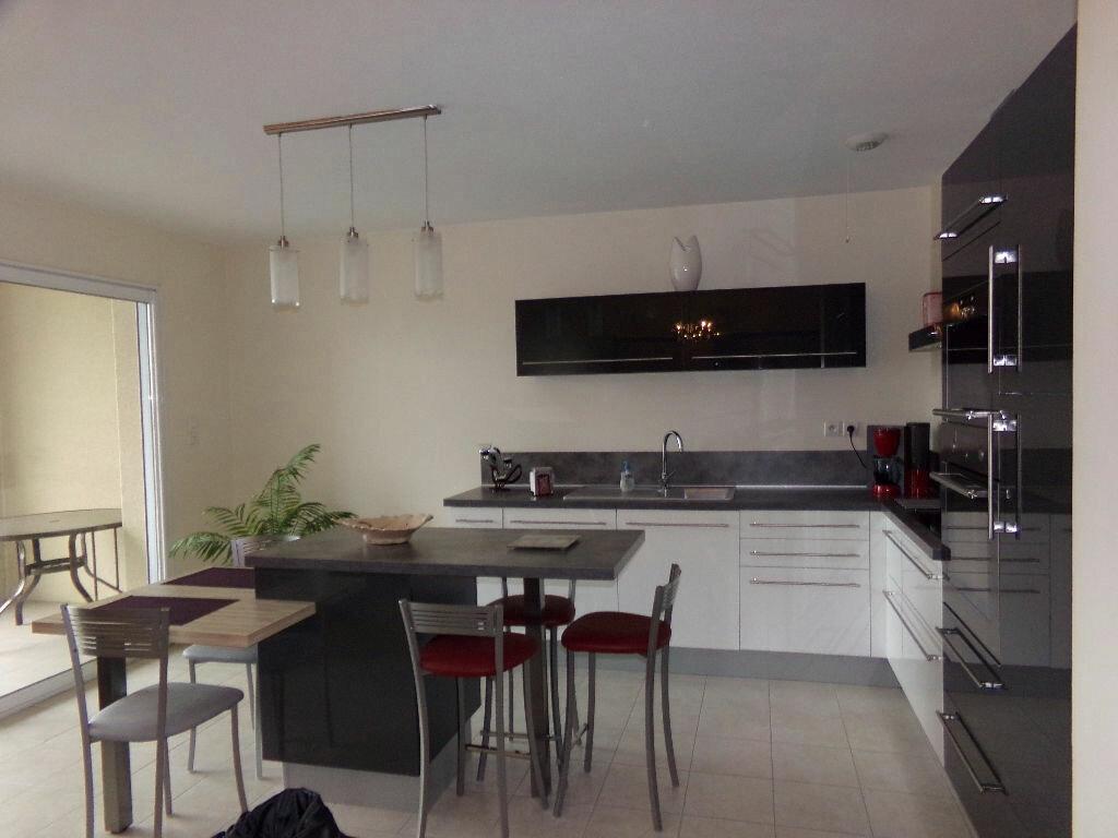 Achat Appartement 3 pièces à Saint-Flour - vignette-1
