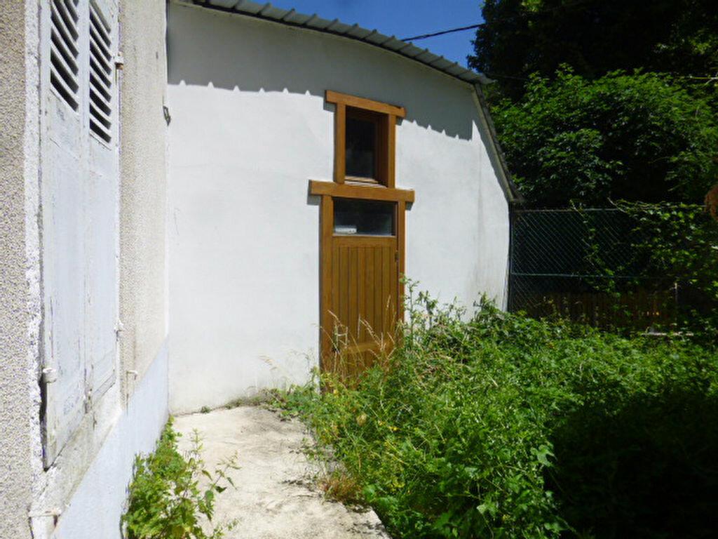 Achat Maison 8 pièces à Chaudes-Aigues - vignette-6
