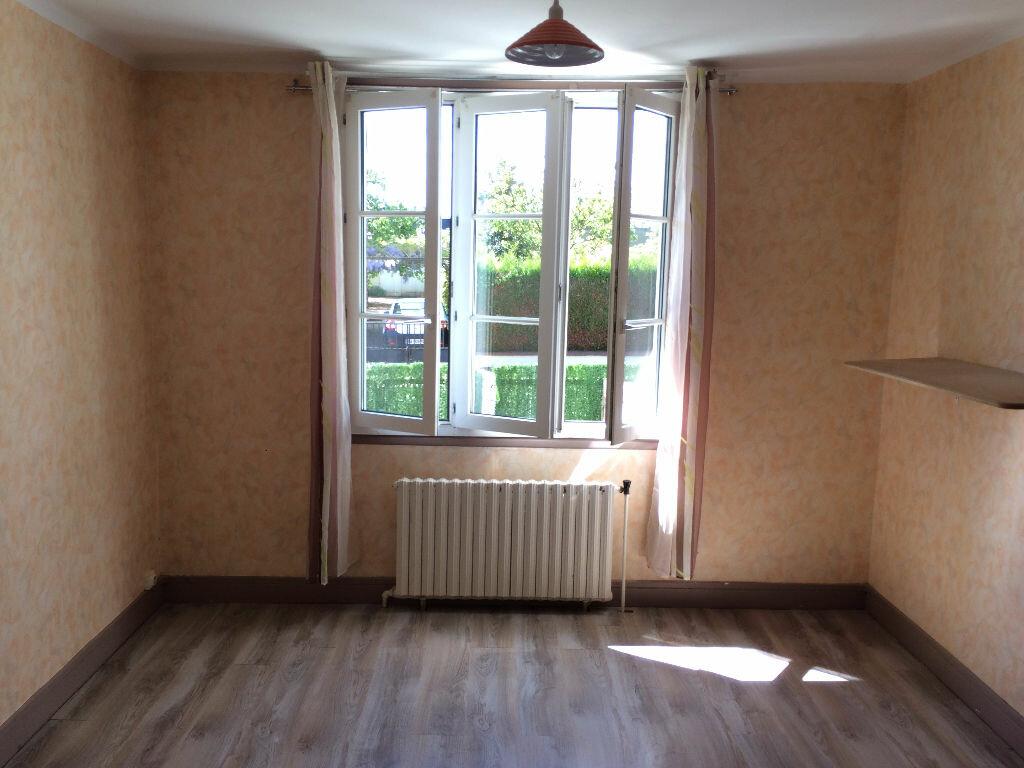 Location Maison 5 pièces à Varennes-Vauzelles - vignette-3