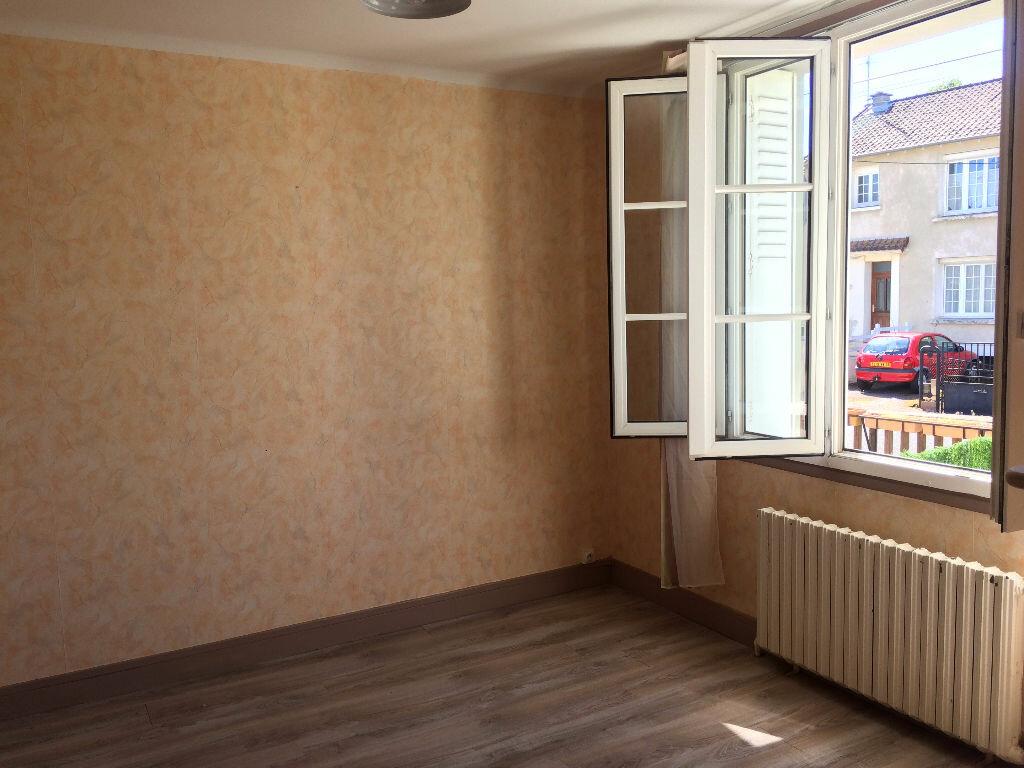 Location Maison 5 pièces à Varennes-Vauzelles - vignette-11