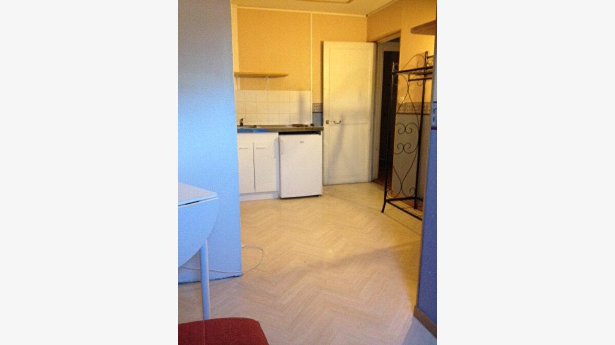 Location Appartement 1 pièce à Nevers - vignette-3