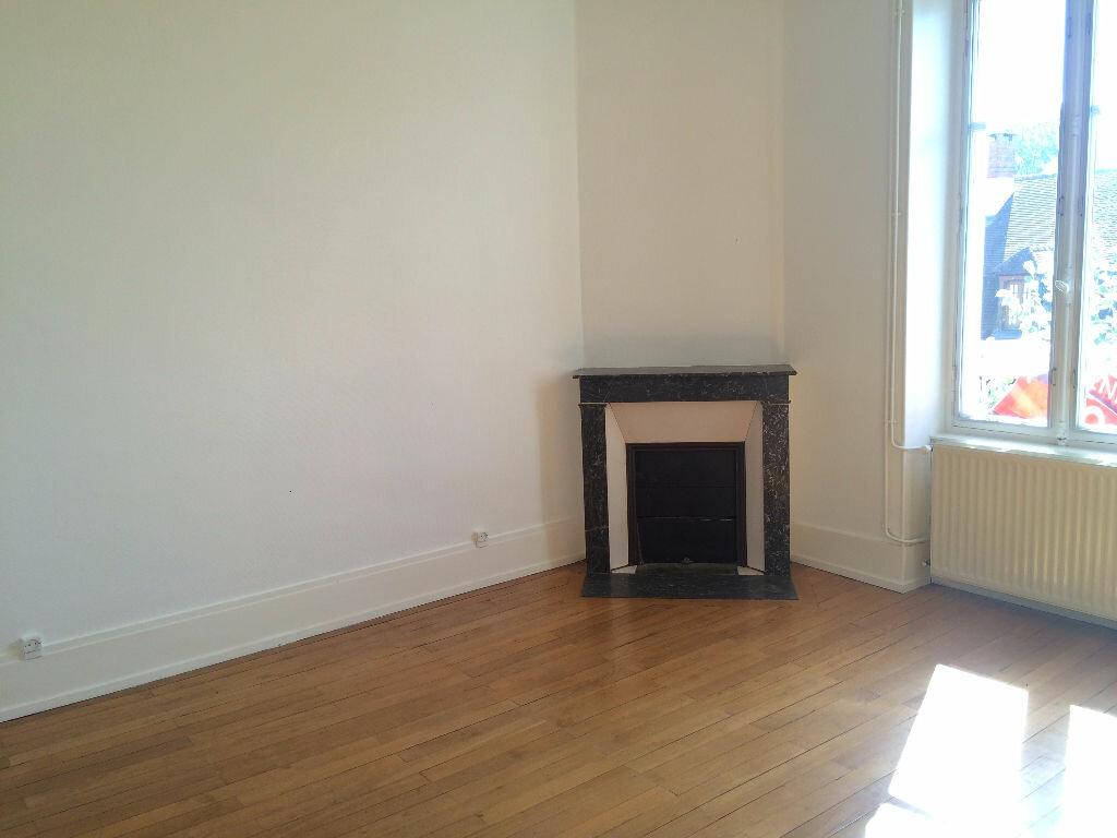 Location Appartement 4 pièces à Coulanges-lès-Nevers - vignette-1