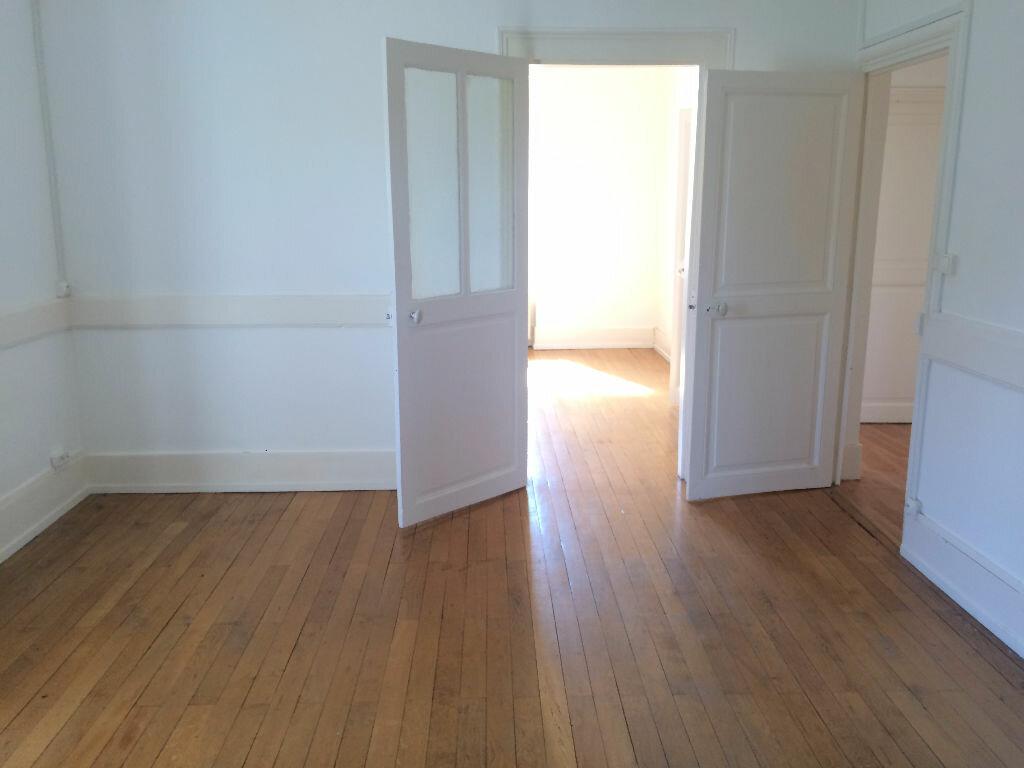 Location Appartement 4 pièces à Coulanges-lès-Nevers - vignette-2