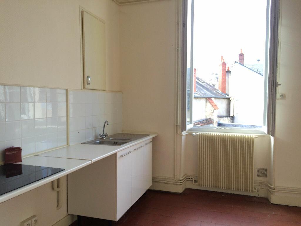 Location Appartement 6 pièces à Nevers - vignette-5