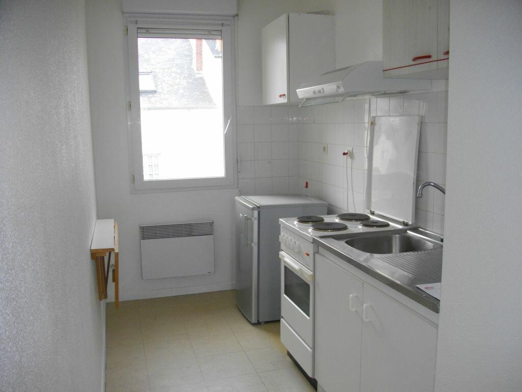 Location Appartement 1 pièce à Bourges - vignette-1