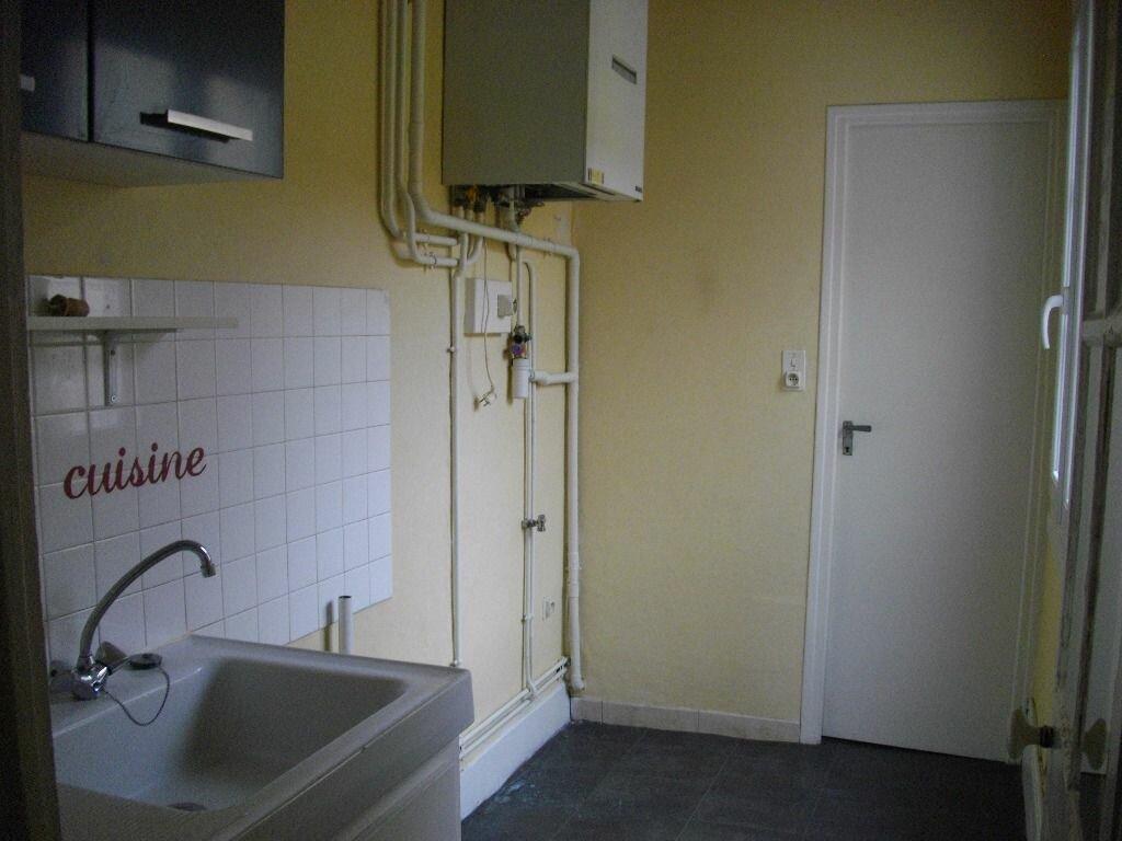 Location Appartement 3 pièces à Bourges - vignette-2
