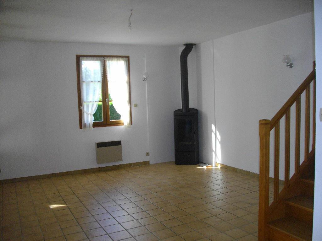 Location Maison 6 pièces à Brécy - vignette-1