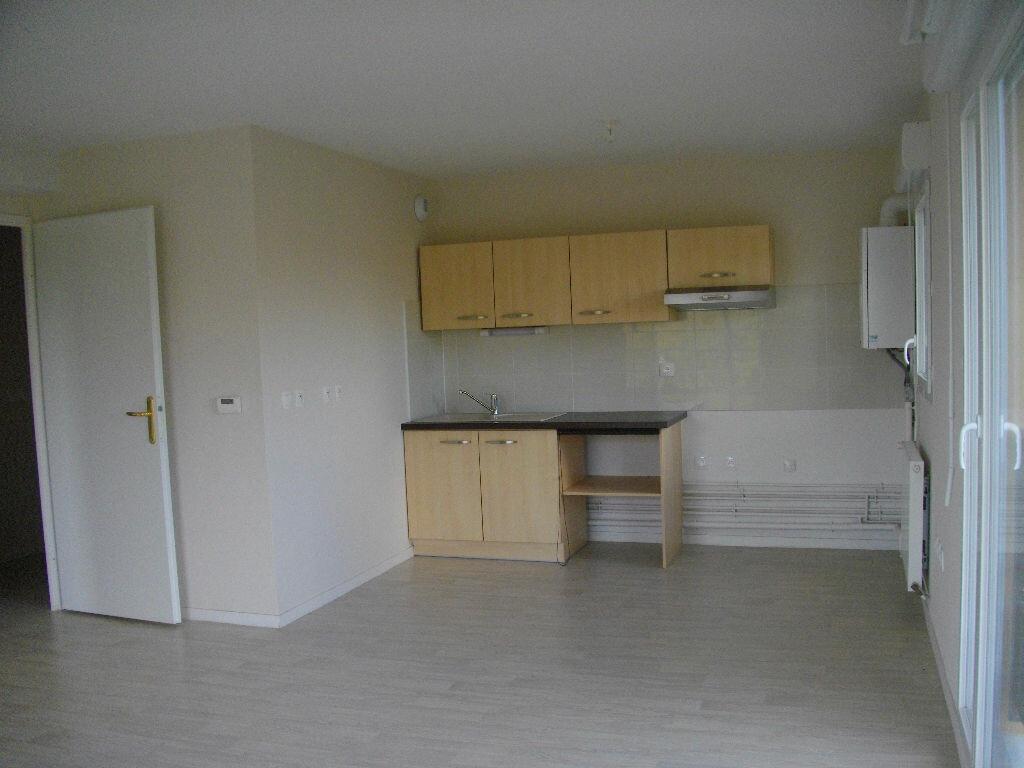 Location Appartement 3 pièces à Bourges - vignette-1