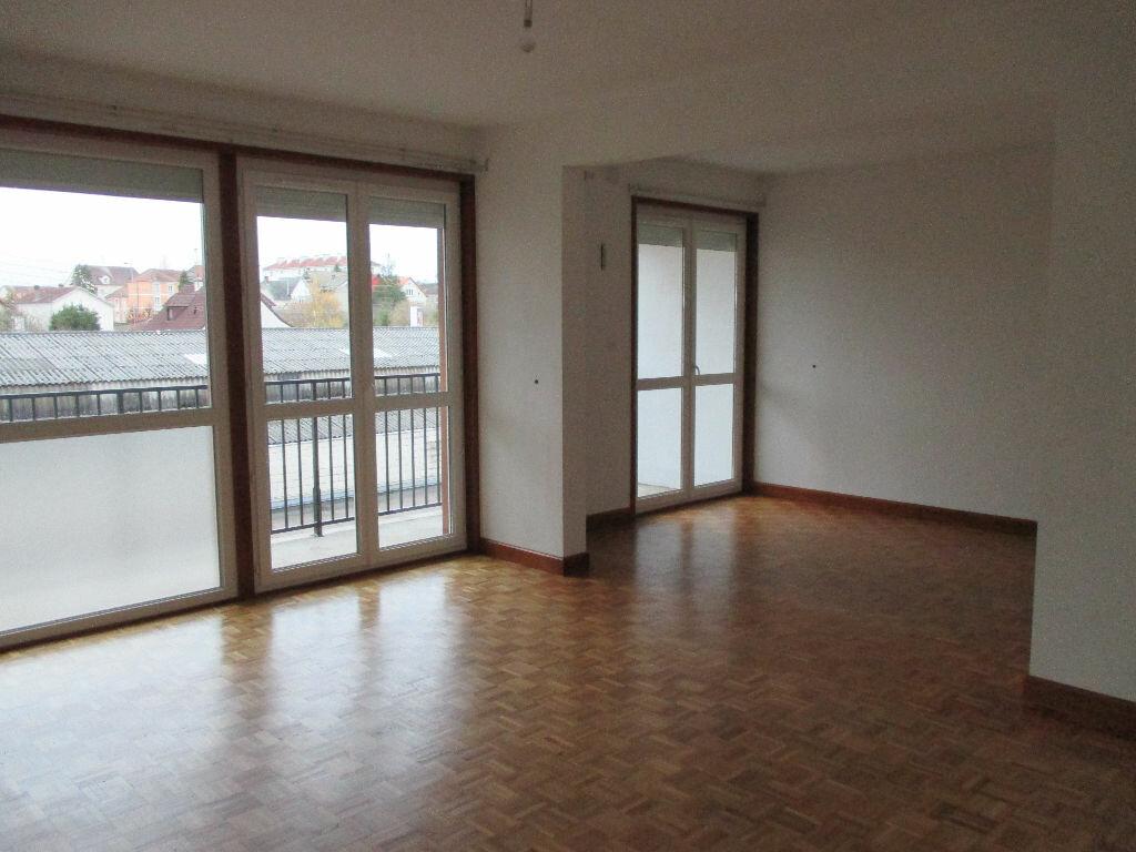 Achat Appartement 4 pièces à Bourges - vignette-1
