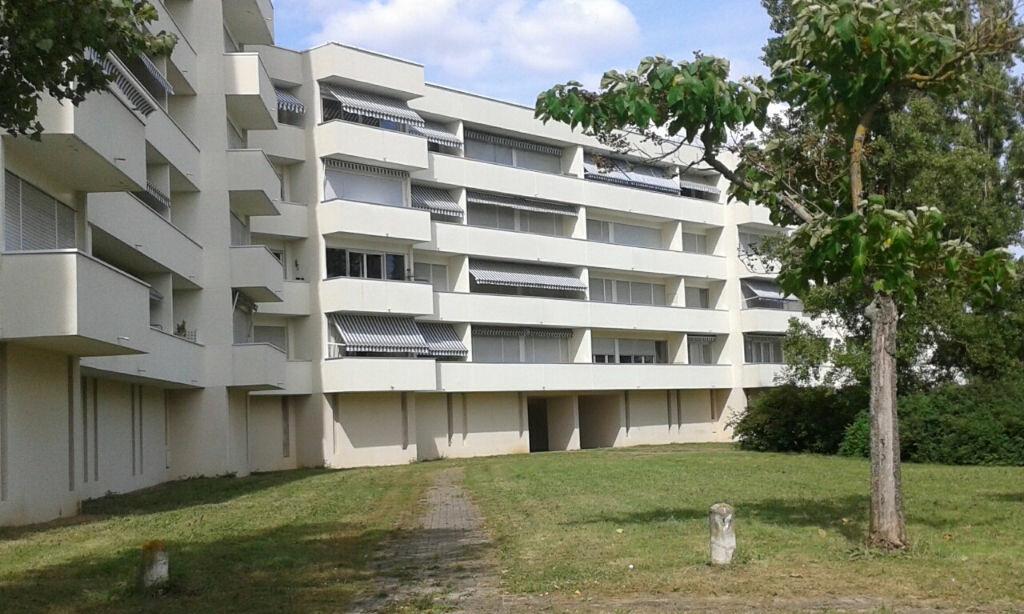 Achat Appartement 3 pièces à Bourges - vignette-1