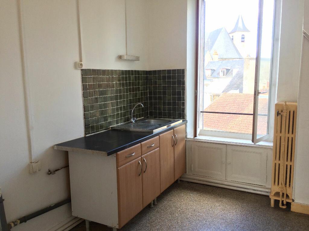 Location Appartement 4 pièces à Nevers - vignette-6