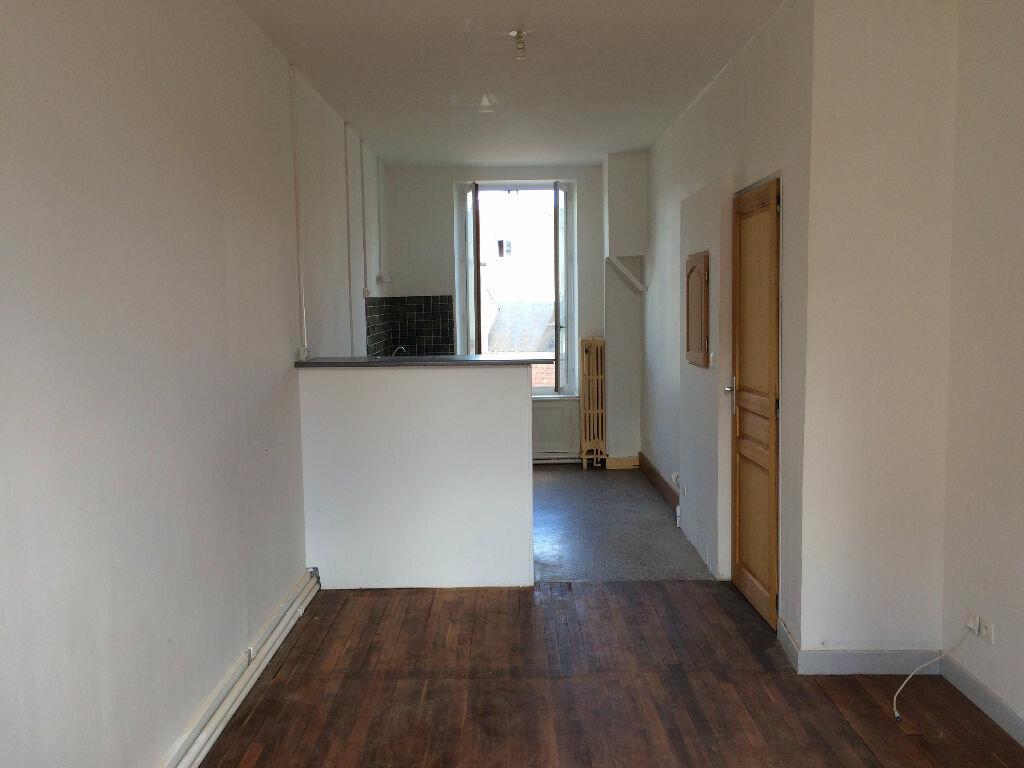 Location Appartement 4 pièces à Nevers - vignette-8