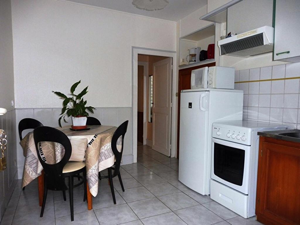 Achat Maison 9 pièces à Saint-Honoré-les-Bains - vignette-2