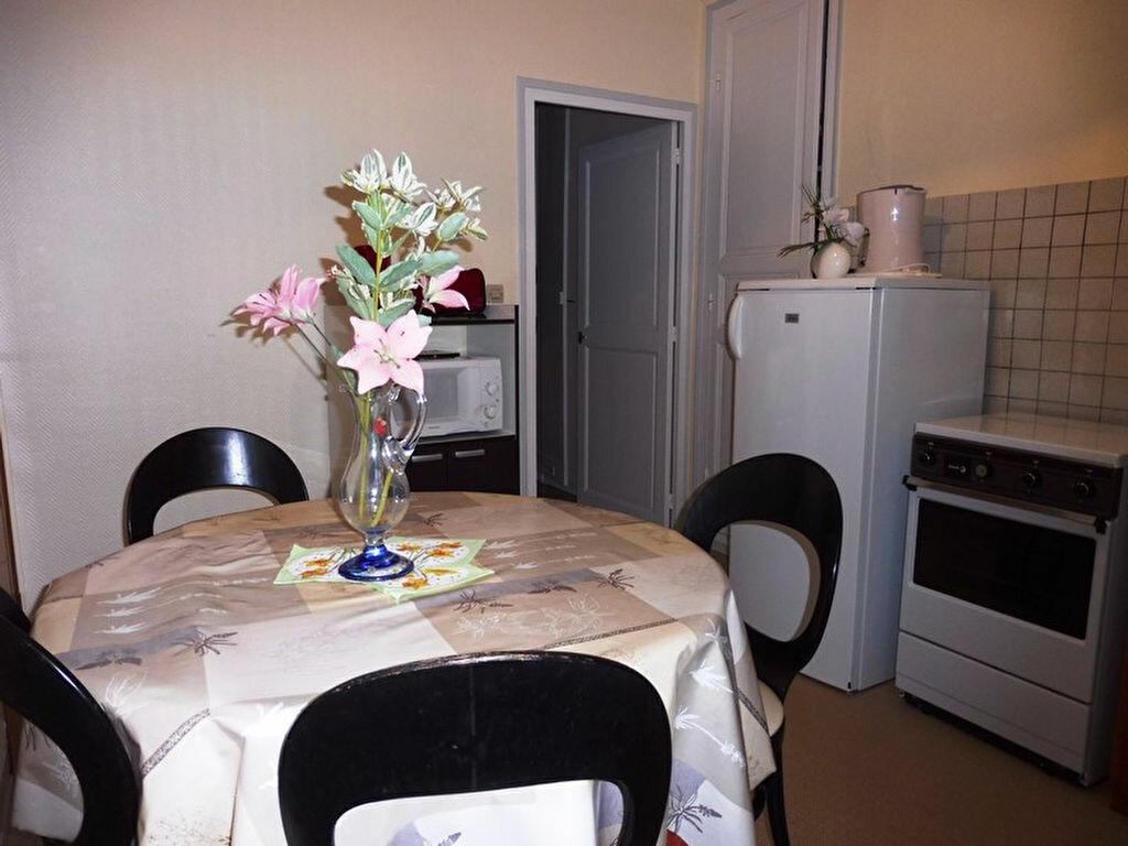 Achat Maison 9 pièces à Saint-Honoré-les-Bains - vignette-5