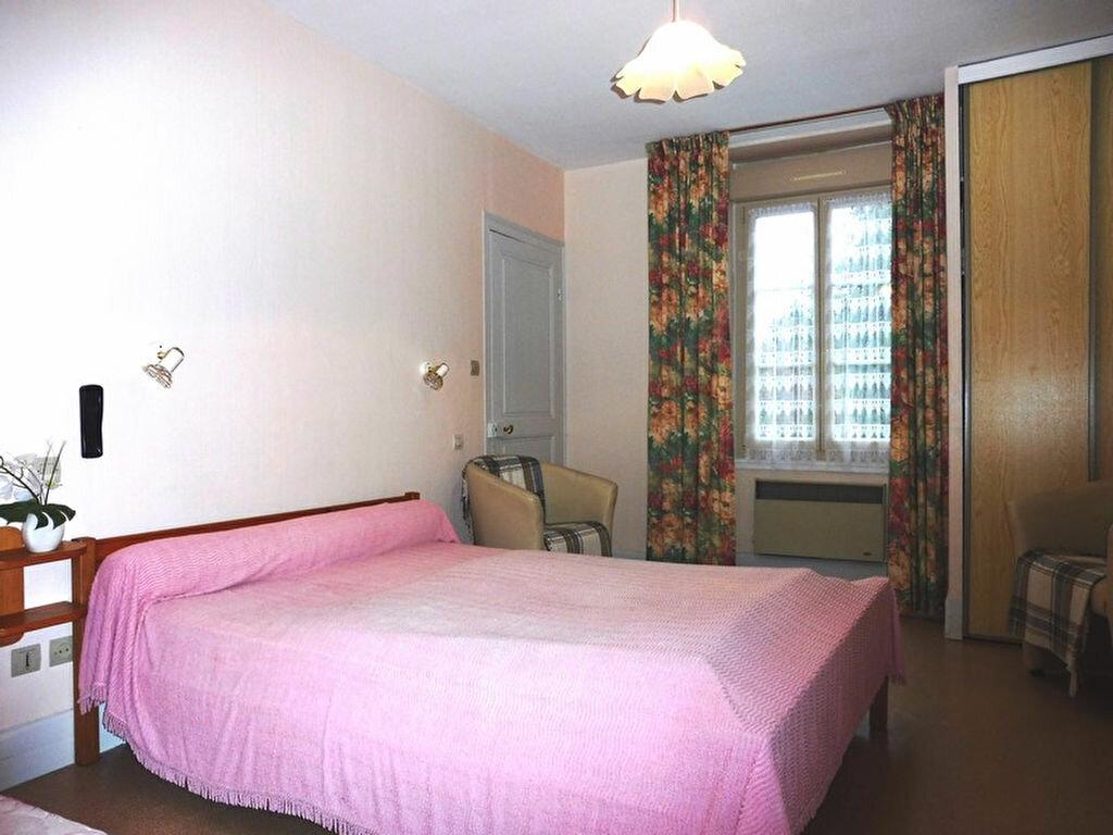 Achat Maison 9 pièces à Saint-Honoré-les-Bains - vignette-6