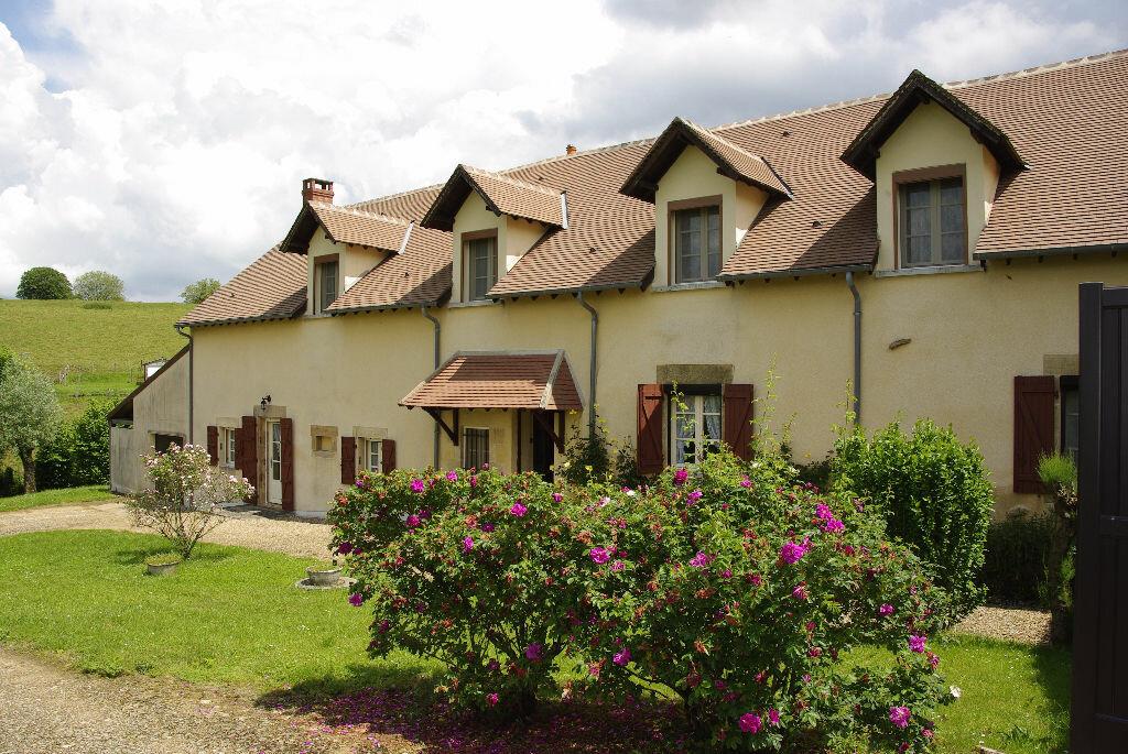 Achat Maison 8 pièces à Saint-Sulpice - vignette-1