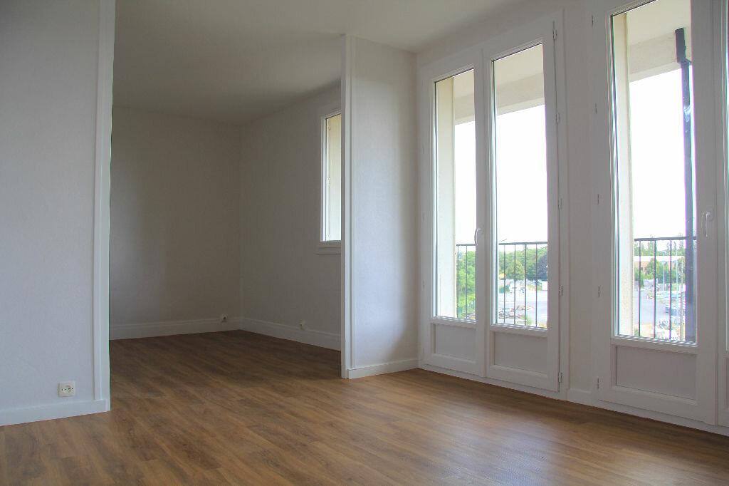 Achat Appartement 3 pièces à Bourges - vignette-3