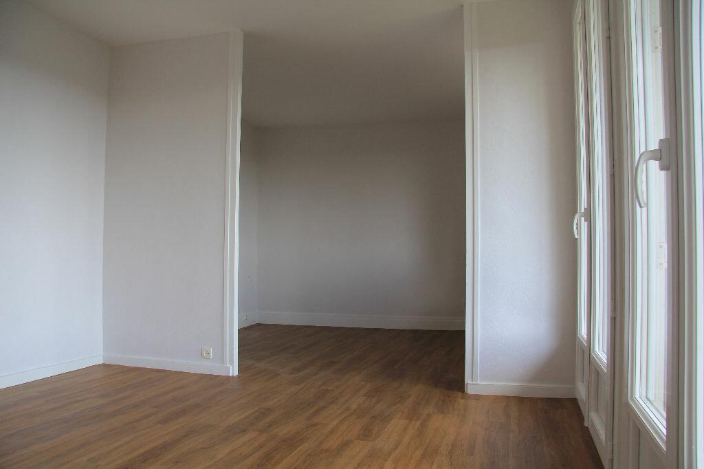 Achat Appartement 3 pièces à Bourges - vignette-4