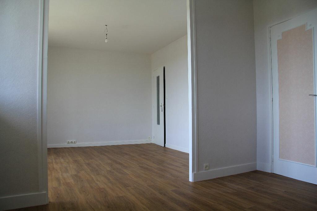 Achat Appartement 3 pièces à Bourges - vignette-11