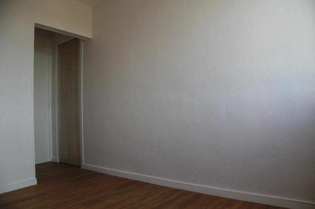Achat Appartement 3 pièces à Bourges - vignette-12