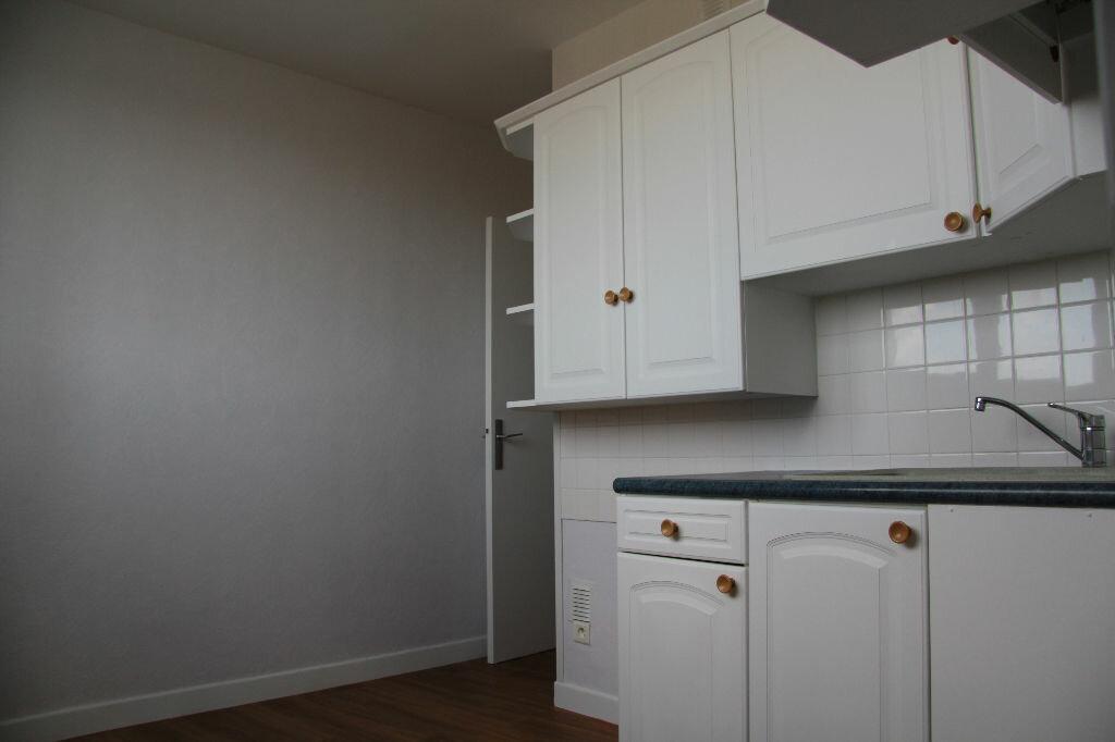 Achat Appartement 3 pièces à Bourges - vignette-17