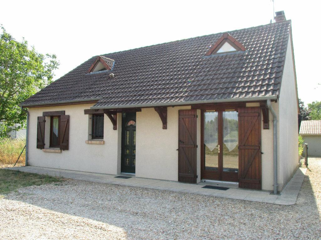 Achat Maison 4 pièces à Mehun-sur-Yèvre - vignette-1