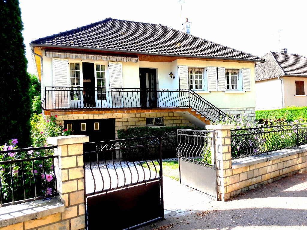 Achat Maison 4 pièces à Saint-Léger-des-Vignes - vignette-1