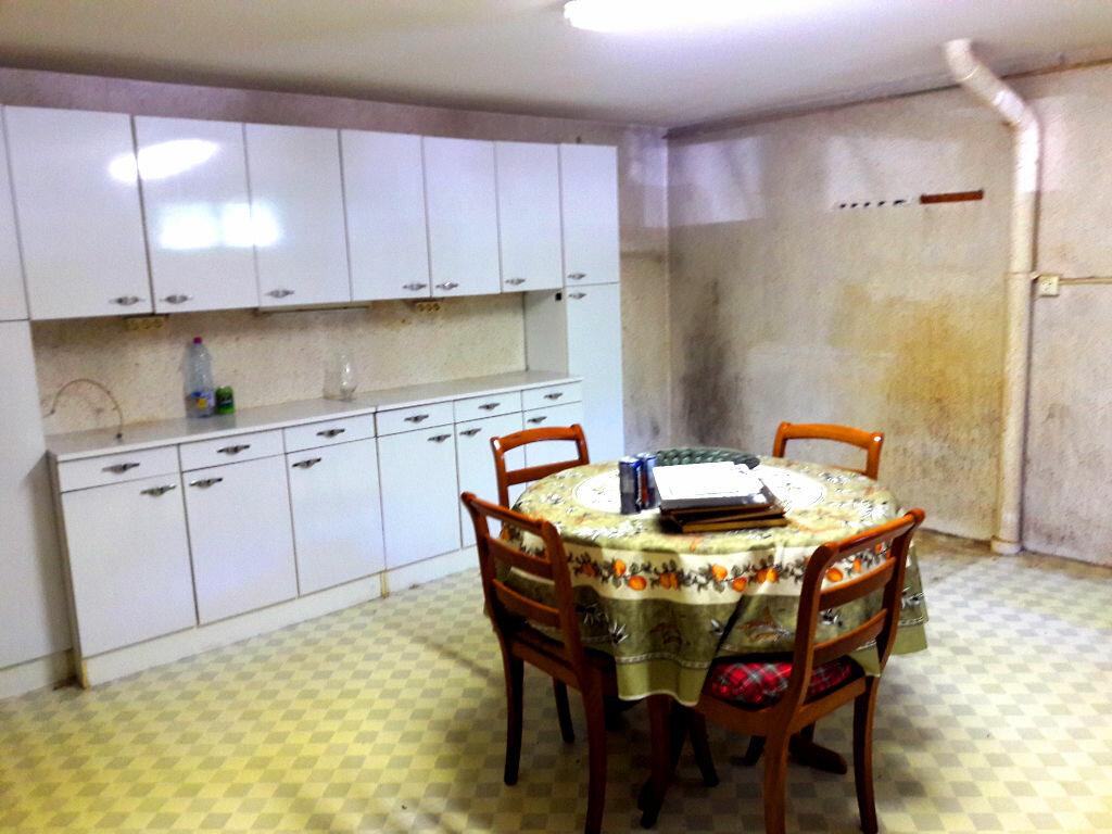 Achat Maison 4 pièces à Saint-Léger-des-Vignes - vignette-9
