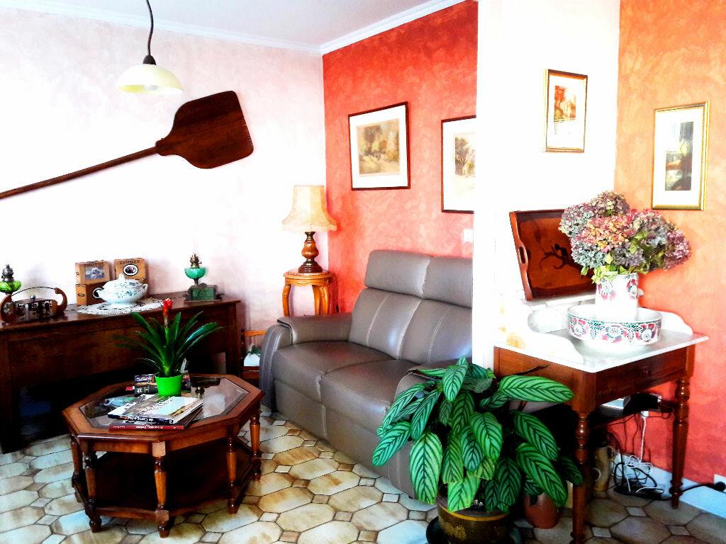 Achat Appartement 3 pièces à Decize - vignette-2