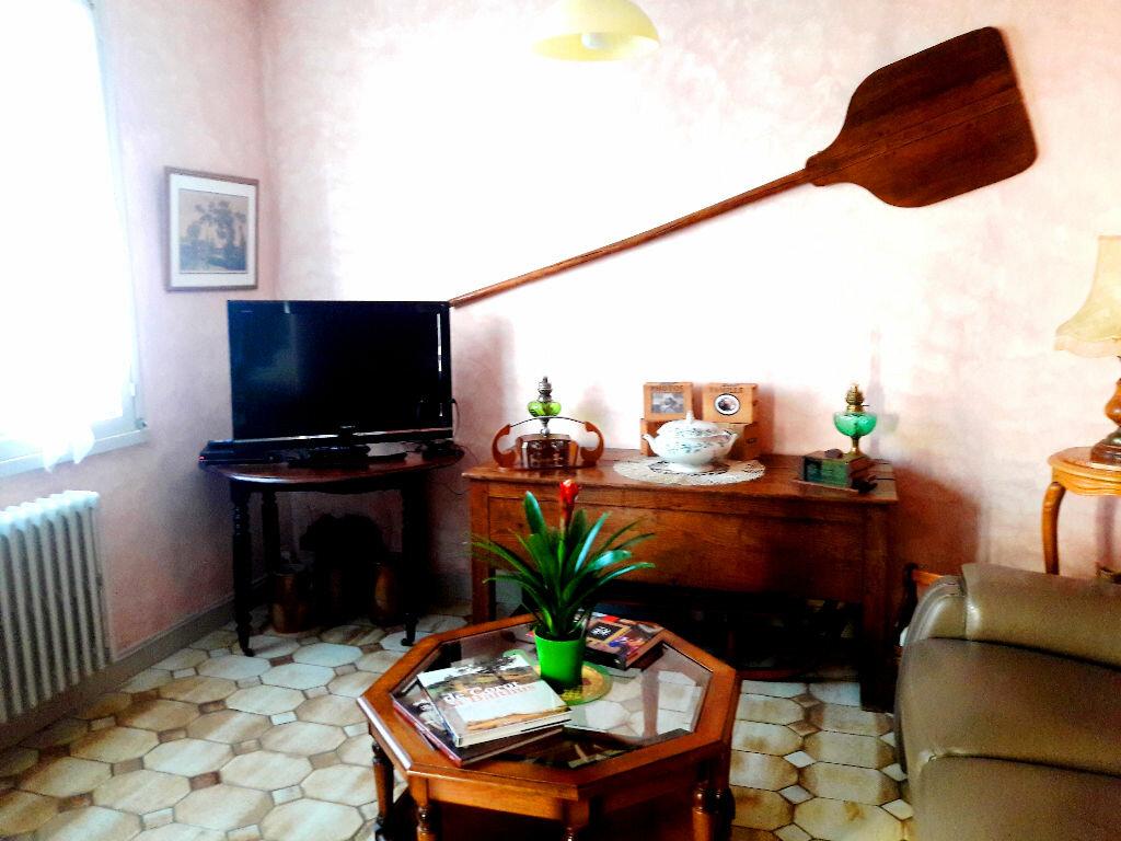 Achat Appartement 3 pièces à Decize - vignette-3