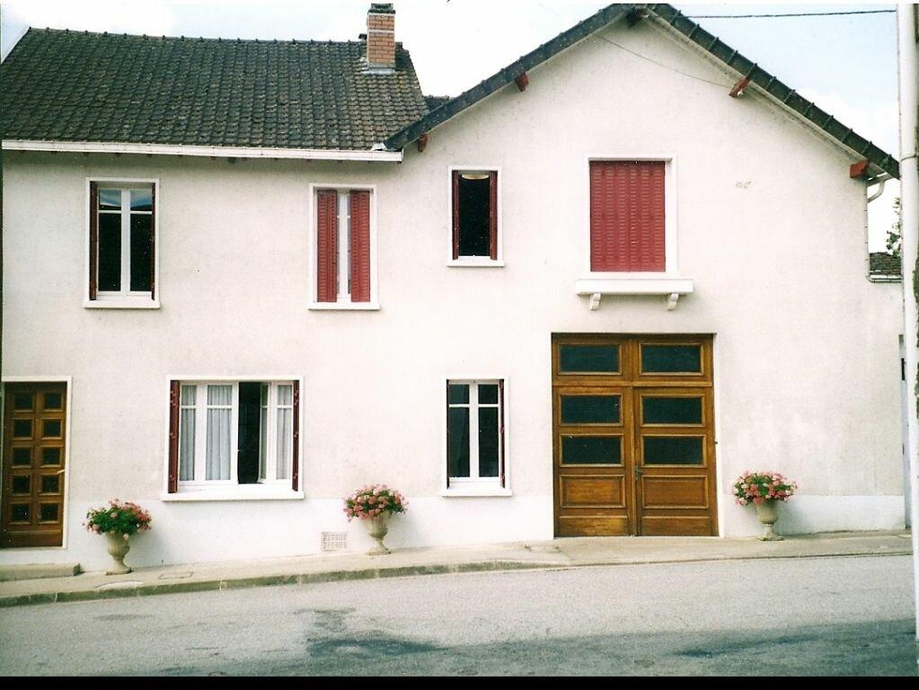 Achat Maison 4 pièces à La Jonchère-Saint-Maurice - vignette-1