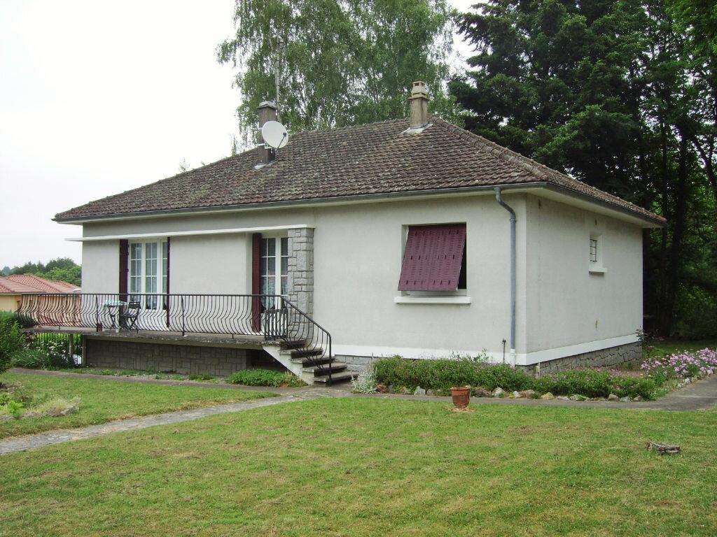 Achat Maison 6 pièces à Saint-Sulpice-Laurière - vignette-1