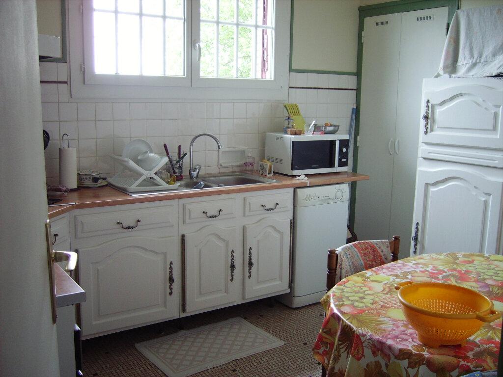 Achat Maison 6 pièces à Saint-Sulpice-Laurière - vignette-3