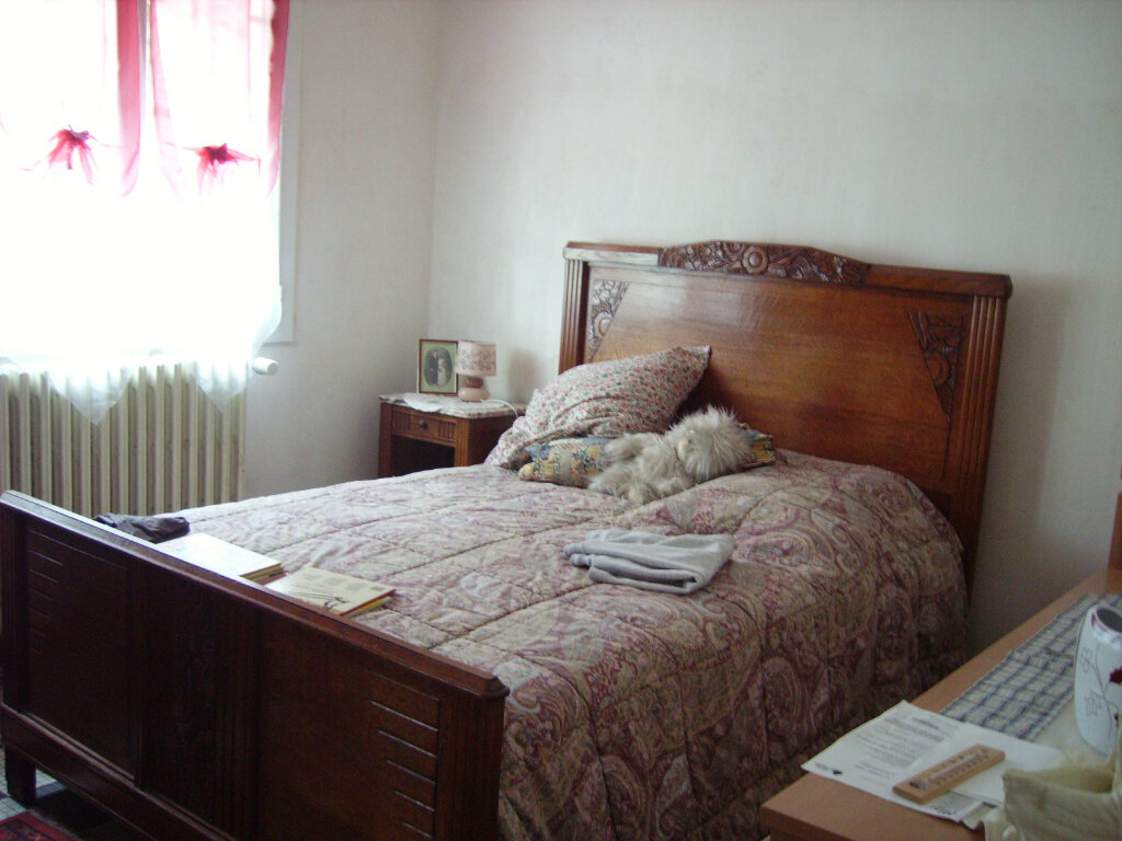 Achat Maison 6 pièces à Saint-Sulpice-Laurière - vignette-6