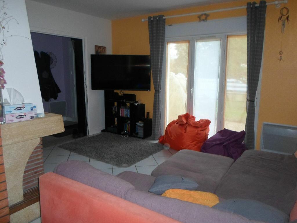 Achat Maison 5 pièces à Saint-Laurent-sur-Gorre - vignette-6