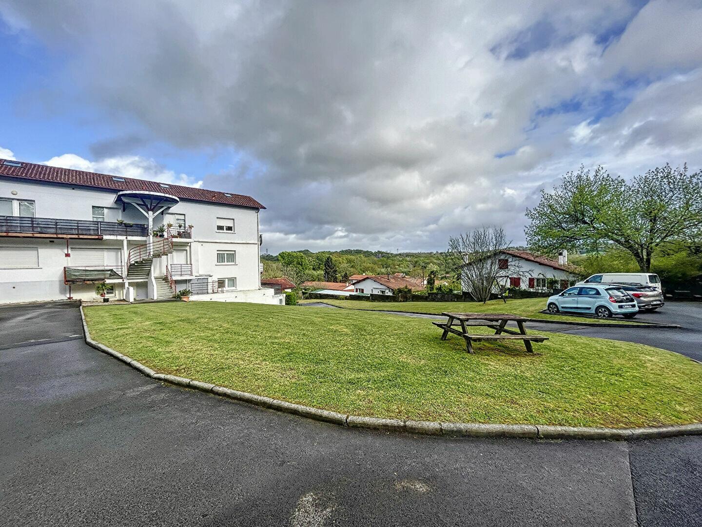 Location Appartement 3 pièces à Urcuit - vignette-1