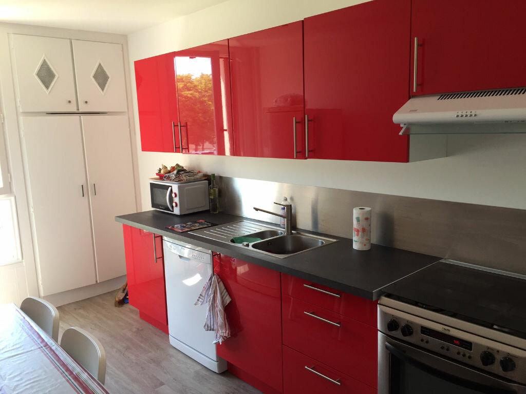 Location Appartement 4 pièces à Bayonne - vignette-2