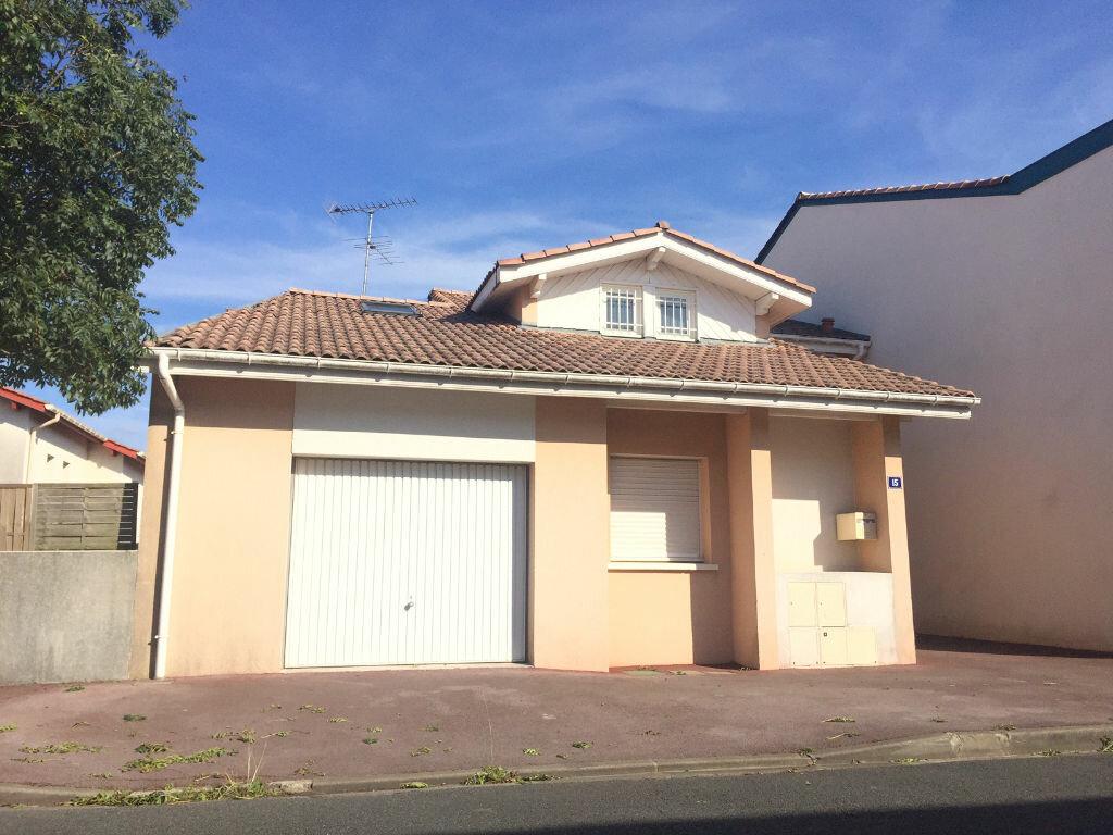 Location Maison 5 pièces à Tarnos - vignette-1