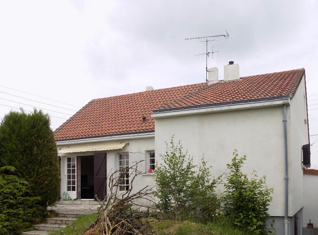 Achat Maison 4 pièces à Saint-Léger-sous-Cholet - vignette-1