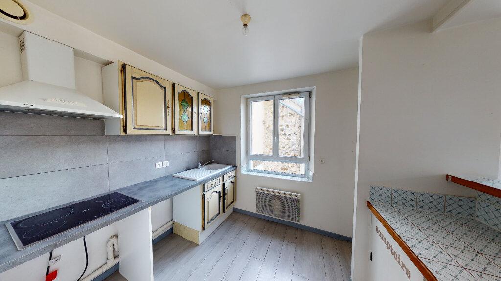 Location Appartement 3 pièces à Saint-Jean-les-Deux-Jumeaux - vignette-2